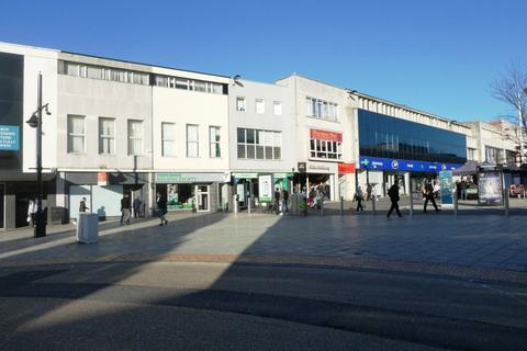 Retail property (high street) to rent - Above Bar Street, Southampton, SO14