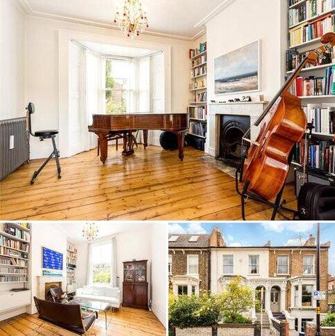 3 bedroom terraced house to rent - Penshurst Road, London, E9