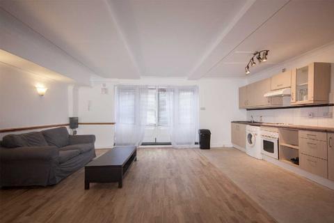 Studio to rent - 424 Hackney Road, London, Shoreditch