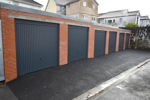 Parking to rent - Garages at the rear of Eaton Crescent, Uplands, , Swansea