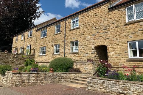 3 bedroom apartment for sale - 9 & 10 Castle Court, Helmsley YO62 5AZ