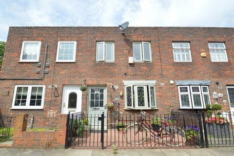 3 bedroom terraced house to rent - Ming Street, Tower Hamlets E14