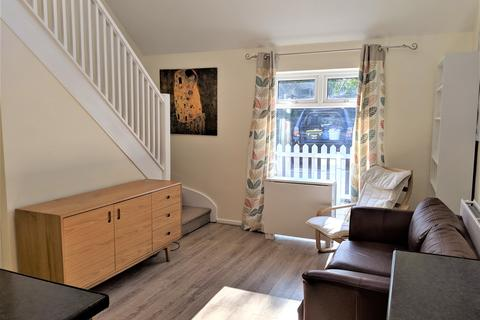 1 bedroom end of terrace house - Raven Way, Penarth,