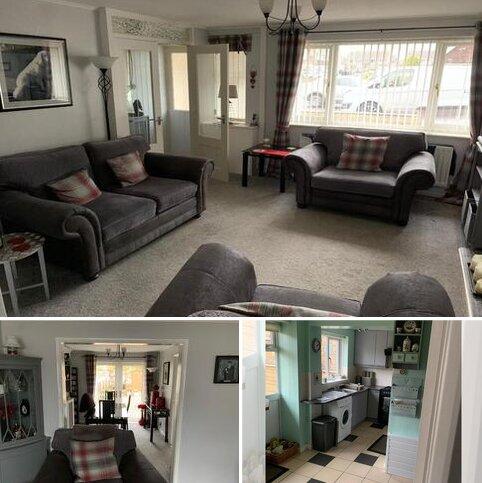 3 bedroom semi-detached house to rent - Petrel Way, Blyth, NE24 3QL