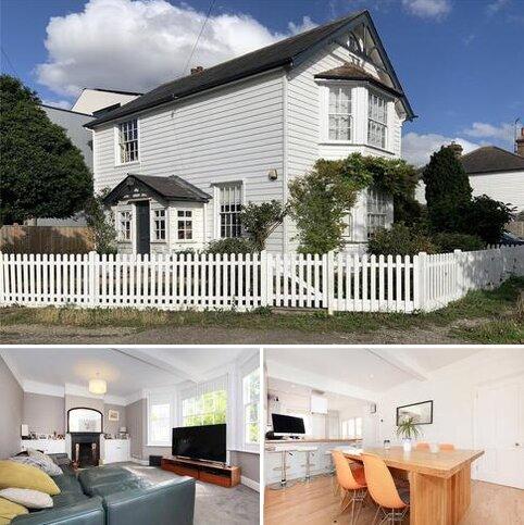 4 bedroom detached house for sale - Till Avenue, Farningham, Dartford, DA4