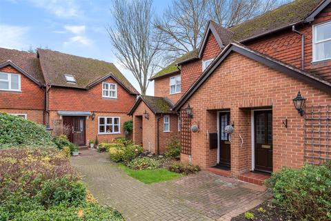 2 bedroom house for sale - Ewell Court Avenue, Ewell, Epsom