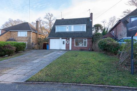 3 bedroom detached house to rent - Canterbury Road, Farnborough, GU14