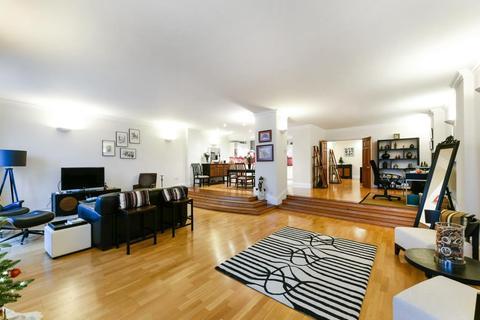 2 bedroom flat - Keepier Wharf, Narrow Street, Limehouse, London, E14