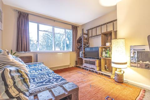 2 bedroom flat - Cranfield Road SE4