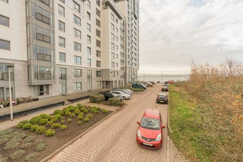 2 bedroom apartment for sale - 7/11 Western Harbour View, Newhaven, Edinburgh EH6 6PF