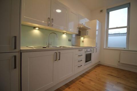 1 bedroom flat - Gilbey Road