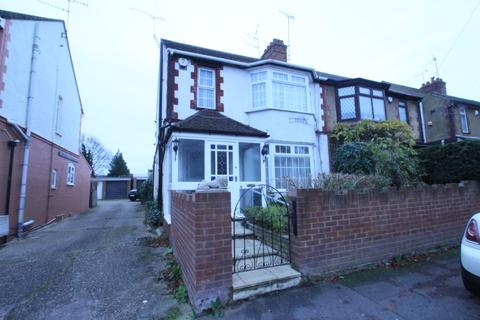 3 bedroom semi-detached house to rent - Compton Avenue , Leagrave, Luton, LU4 9AX