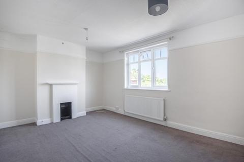 3 bedroom flat to rent - Field End Road, Eastcote HA5 1QG