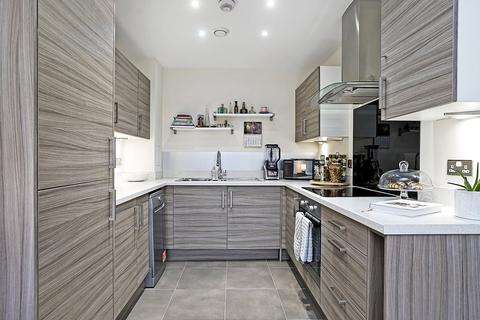 1 bedroom apartment to rent - Stainsby Road, London, E14