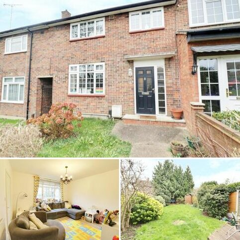 3 bedroom terraced house for sale - Westall Road, LOUGHTON