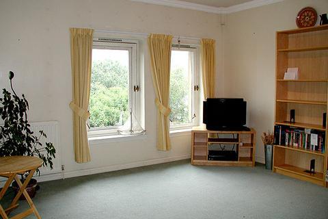 1 bedroom property to rent - 26/13 East Parkside