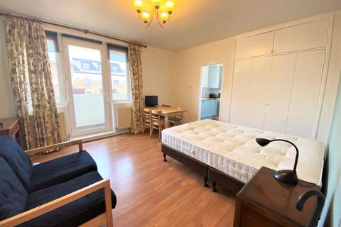 Studio to rent - Chalmers House, Clapham Junction SW11