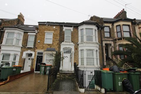 4 bedroom maisonette to rent - Disraeli Road E7