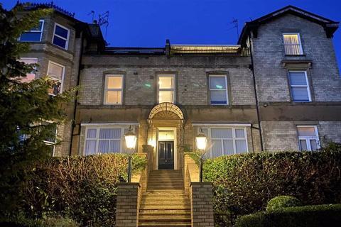2 bedroom penthouse for sale - Richmond Road, Bowdon