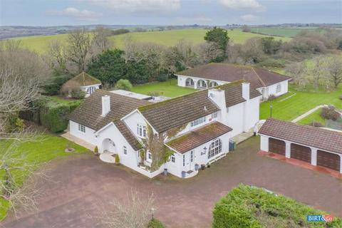 5 bedroom detached house for sale - White Lodge, Narberth Road, Tenby, Pembrokeshire, SA70
