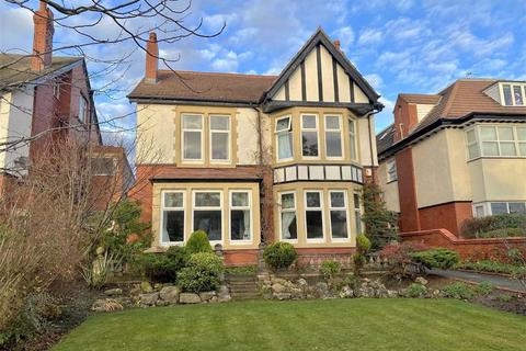 5 bedroom detached house for sale - Clifton Drive South, St.Annes, St.Annes On Sea