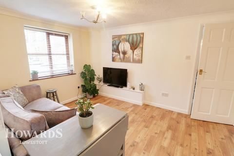 1 bedroom flat for sale - High Street, GREAT YARMOUTH