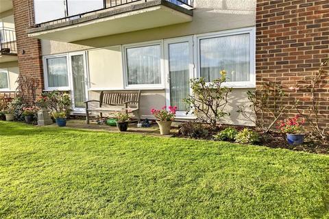 2 bedroom ground floor flat - Lord Warden Avenue, Walmer, Deal, Kent