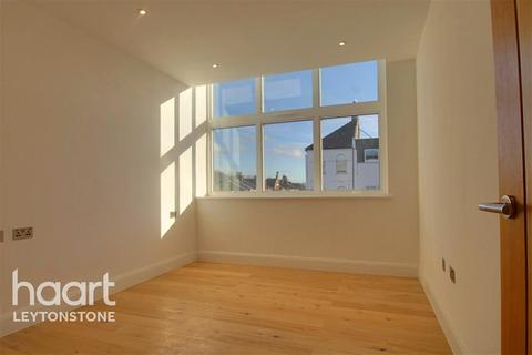 2 bedroom flat to rent - Panther House, High Road Leytonstone, E11