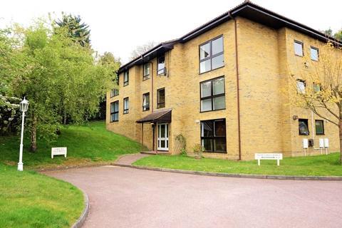 3 bedroom flat - Wood Lodge Grange, St. Johns Hill, Sevenoaks, Kent, TN13