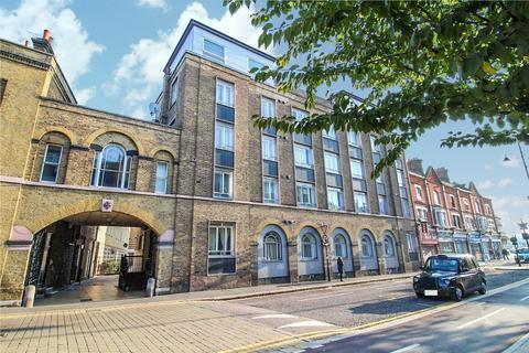1 bedroom apartment for sale - High Street, Romford, Essex, RM1