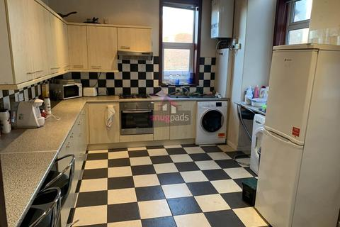 4 bedroom house to rent - Carlton Road, Salford, Manchester