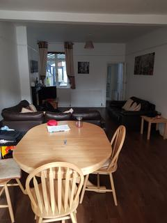 3 bedroom house share to rent - Gristhorpe Road, Selly Oak, Birmingham, West Midlands, B29