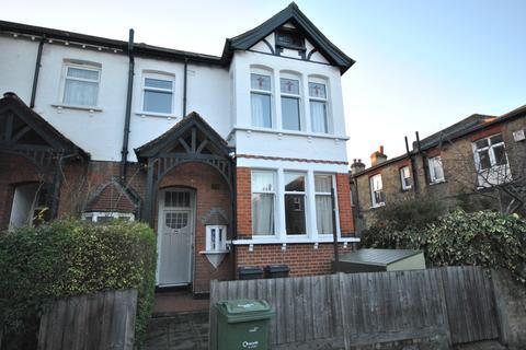 4 bedroom maisonette - Doverfield Road SW2