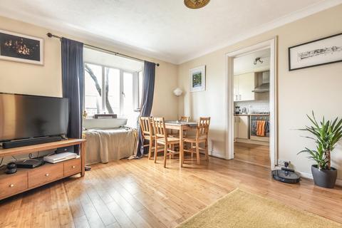 1 bedroom flat for sale - Rosethorn Close, Balham