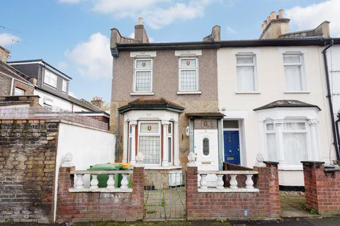 2 bedroom end of terrace house for sale - Aldworth Road, Stratford, E15