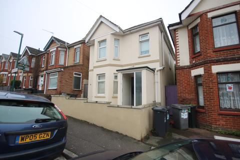 4 bedroom detached house to rent - Frampton Road BOURNEMOUTH