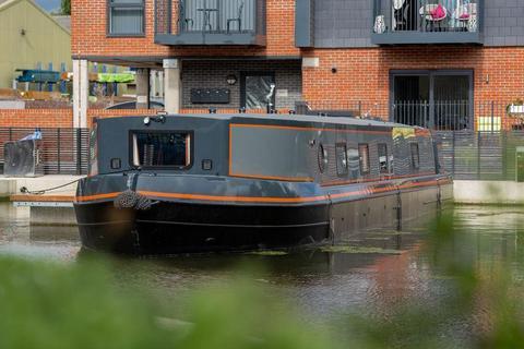 2 bedroom houseboat for sale - Hazlemere Marina, Waltham Abbey, EN9