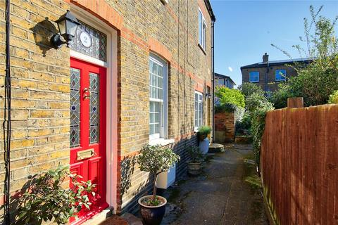 2 bedroom terraced house for sale - Hesley Cottages, High Street, KT1