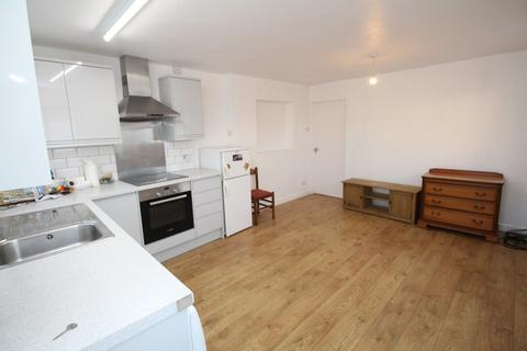2 bedroom apartment to rent - New Road, Chippenham