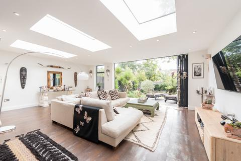 4 bedroom semi-detached house for sale - Redston Road, Crouch End, London