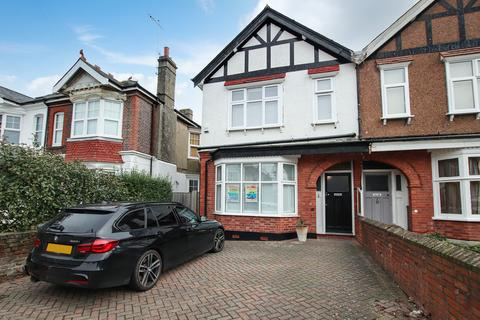 4 bedroom semi-detached house for sale - Valencia Road, Worthing