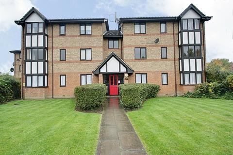 2 bedroom apartment - Dalrymple Close, Southgate, N14 4LQ