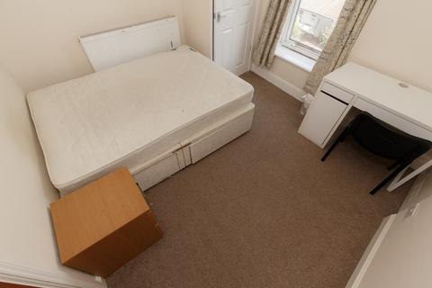 4 bedroom terraced house to rent - Laura Street