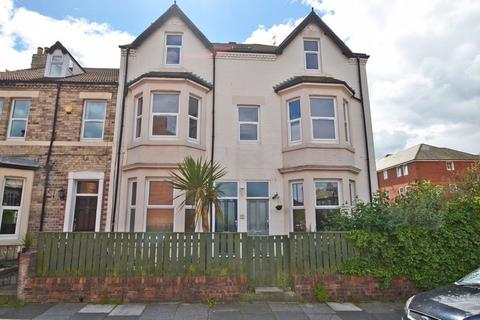 2 bedroom apartment - Delaval Road, Whitley Bay
