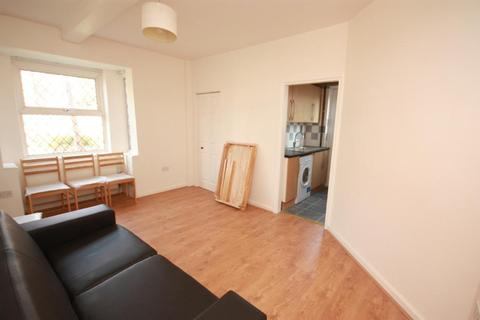 1 bedroom house share to rent - Wulfstan Street, East Acton, London, W12 0AH