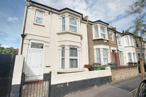 1 bedroom flat - Leyton Park Road, Leyton