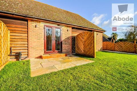 Studio to rent - Pondwood Farm, Pondwood Lane, White Waltham, SL6