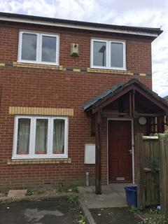 4 bedroom semi-detached house to rent - Headford Gardens
