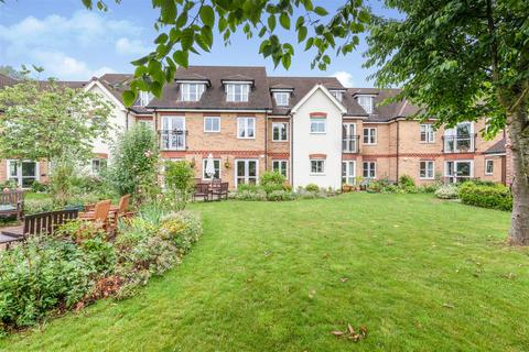 2 bedroom apartment for sale - St Rumbolds Court, Buckingham Road, Brackley, Northamptonshire, NN13 7BF