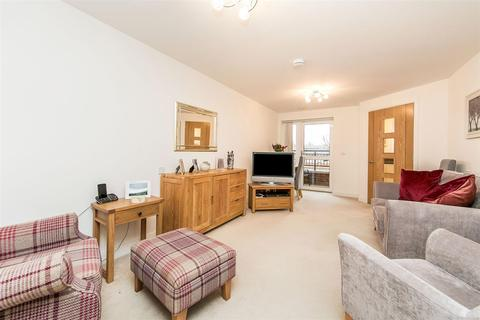 1 bedroom apartment for sale - Lancer Court, Butt Road, Colchester, Essex, CO2 7WE